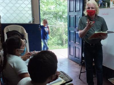 Joven-albino-de-Matagalpa