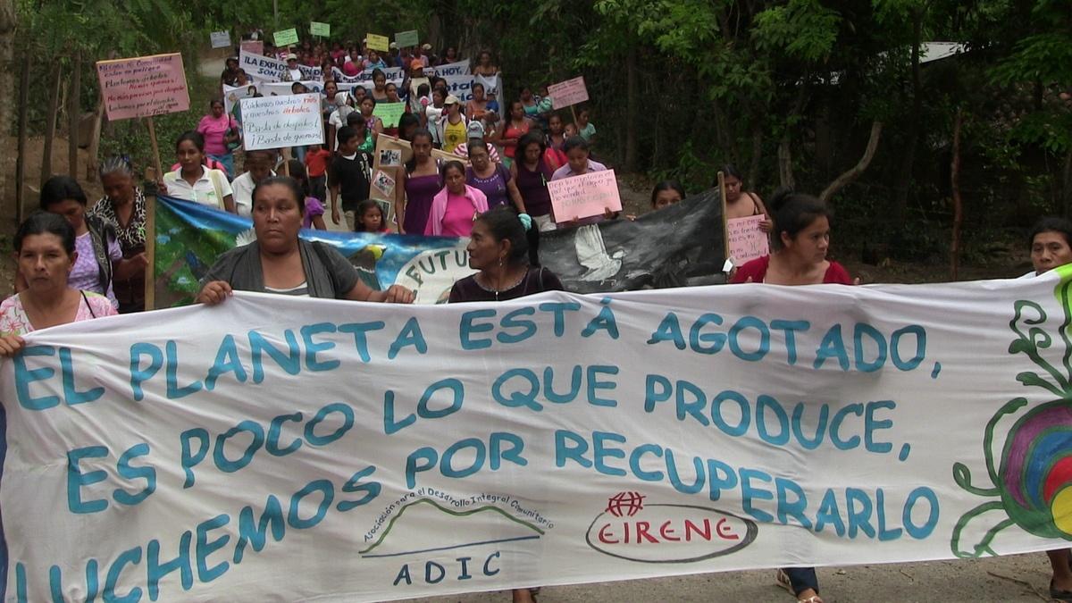 Marcha De Mujeres En Guadalupe Arriba